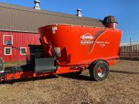 *2014 Kuhn Knight VT168 Vertical Max s/a mixer feed wagon