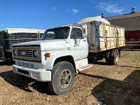 *1981 Chev 70 s/a grain truck, VIN# 1GBJ7D1BXBV123306, Owner: Gervin Stock Farms Seller: Fraser Auction___________ ***TOD, KEYS***