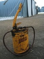 *pump greaser pail