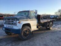 *1977 GMC truck, flat deck, 8 cyl, 45,434 kms showing, VIN# TCE677V604197 (K76) Owner: Drumads Farms Ltd Seller: Fraser Auction Service_____________ ***TOD, KEYS***