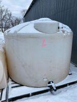 """*1250-gal poly tank, White w/2"""" Banjo valve"""