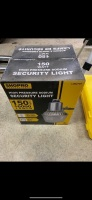 *150-watt High Pressure Sodium light (new in box)