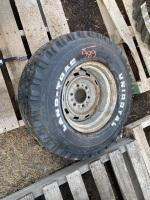 * 10-15 Uni Royal trailer tire (K57)