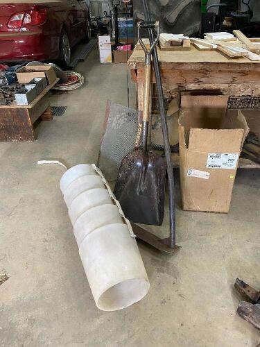 Grain shovel - poly flex spout - corner cleaner