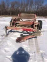 Highline hyd drive rotary stone picker w/hyd hitch (For more information contact Justin 204-648-5334)