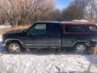 GMC truck for parts (NO TOD - NOT RUNNING)