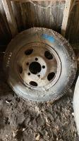 7.50-20 truck tire on rim