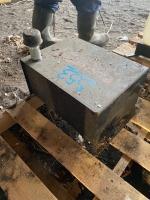 Power fist hydraulic oil tank