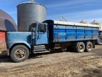 *1981 GMC General T/A grain truck, 457,351 showing, VIN# 1GDT9F4C5BV584441, Owner: 3694306 MB LTD, Seller: Fraser Auction________________ ***TOD, SAFETIED, KEYS***