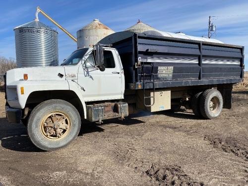 *1989 Ford F-800 s/a grain truck, 397,033 showing, VIN# 1FDXK84A0KVA04805, Owner: 3694306 MB LTD, Seller: Fraser Auction______________ *** TOD, SAFETIED & KEYS***