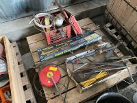 *cattle supply lot: 1 new fence stretcher, 2 used fence stretchers, tank heaters, water bowl float & lids