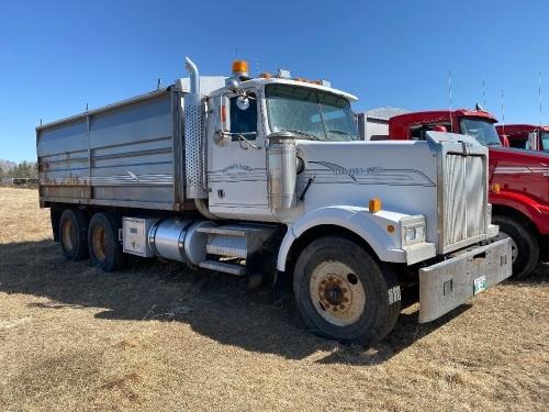 *1998 Western Star t/a grain truck, 1,295,216 showing, VIN# 2WKPDDJH0WK950804, Owner: 3694306 MB LTD, Seller: Fraser Auction_____________ *** TOD, SAFETIED & KEYS***
