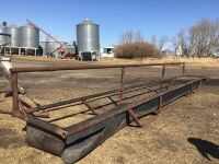 *30' belt bottom feed trough (this feeder needs some repair)