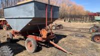 10' Kendon gravity box on 4-wheel wagon