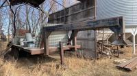 24' Gooseneck flat deck tandem trailer, Owner: J & M Farms LTD, Seller: Fraser Auction______________________