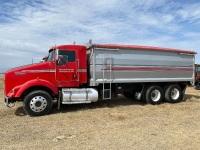 *2005 Kenworth T800 T/A grain truck, 429,347 showing, VIN# 1XKDDB9X85R979940, Owner: 3694306 MB LTD, Seller: Fraser Auction:________________*** TOD, SAFETIED & KEYS***