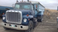 1978 Ford 9000 Louisville tandem with live bottom potato box