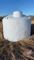 1400-gal poly tank (no lid & no valve)