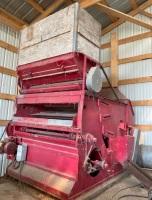 *Fanning mill grain cleaner