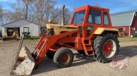 Case 930 tractor w/case loader, cab