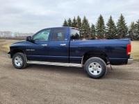 2002 Dodge Ram 1500 4x4 SLT. Crew cab,5.9 liter gas engine. 4 speed auto. Tow mirrors. 265/75R17 tires. Saftied. 337380 kms showing, VIN #1D7HU18Z425600811