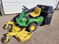 John Deere 525 front mount mower. 48 inch cut. Bagger. New battery.