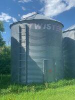 *Approx. 2000-bushel Twister flat bottom bin