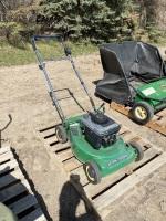 JD push lawn mowerF78
