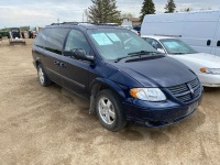 2006 Dodge Grand Caravan Passenger Van, 6 cyl, Blue, 239,569 kms showing, VIN# 1D4GP24R06B506877 Owner: Janet M Breemersch, Seller: Fraser Auction________ ****TOD & KEYS***