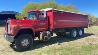 1982 Mack RD611 grain truck, 4632 hrs, 049,979km showing, vin-1M2P124Y4CA002349, SAFETIED Owner: J & M Farms Ltd Seller: Fraser Auction_____________________