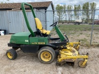 JD F911 front deck mower F10