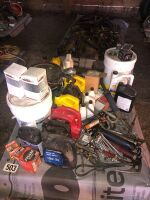VARIETY OF OIL AND OIL FILTERS