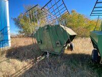 *250-bushel creep feeder on wheels w/fold down creep panels