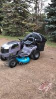 "Yardworks LT 1642 Ride-on-mower w/ bagger, 42"" deck, 16.5HP, automatic, H88 ***keys***"
