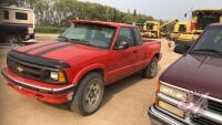 1994 Chevrolet S10 4+cab, extended cab, MPI STATUS REBUILT, 253,586 kms showing, VIN# 1GCDT19W1RK111292, H112, Owner: Michael A Bok, Seller: Fraser Auction_______________ *** TOD, Keys, & detachable radio& remote - office trailer***