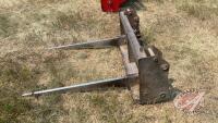 Quick attach 2-prong bale fork (fits JD 740 loader)