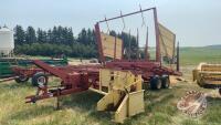 NH 1037 Stackliner sq bale picker