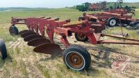 Melroe 900 Series 5-bottom plow