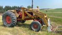 Case 930 2wd tractor w/Ezee-On loader