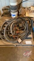 Submersible pump and hose