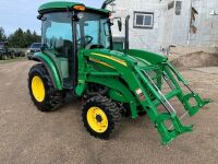 JD 3520 MFWD 37hp Tractor w/Cab, 1060hrs showing, s/n512511, A55