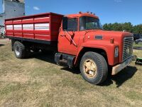 1972 IH1800 s/a grain truck w/B+H, tires 1000x20, G.V.W 27,500, 267,851 showing, VIN#106820C085798 - NO TOD-FARM USE ONLY, A37, Seller: Fraser Auction_______________