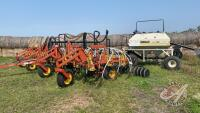 32ft Bourgault 8800 w/Bourgault 2155 air cart