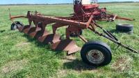 IH 5-bottom plow