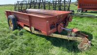 NH 518 manure spreader