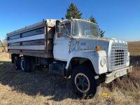 *1978 Ford 700 Tag axle grain truck, 30,670 showing, VIN#N71FVCH0098, NOT RUNNING, Owner: Estate of John G Morrice, Seller: Fraser Auction____________