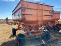 *Minnesota Gravity grain box on HD 4-wheel wagon