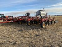 *50' Bourgault 8810 air seeder w/Bourgault 6350 triple compartment air cart