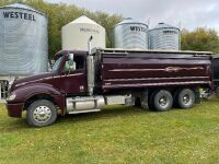 *2006 Freightliner Columbia t/a grain truck, 1,170,883 kms showing, VIN#1FUJA6AV66LV40760, Owner: RAY-EL FARMS LTD, Seller: Fraser Auction _________________***TOD, FRESH SAFETY & KEYS***