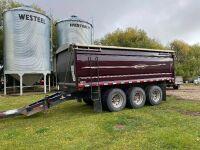 *2014 20' Cancade Triple Axel Grain Pup Trailer, VIN#2C92320E1E1086621, Owner: RAY-EL FARMS LTD, Seller: Fraser Auction __________ ***TOD & FRESH SAFETY***